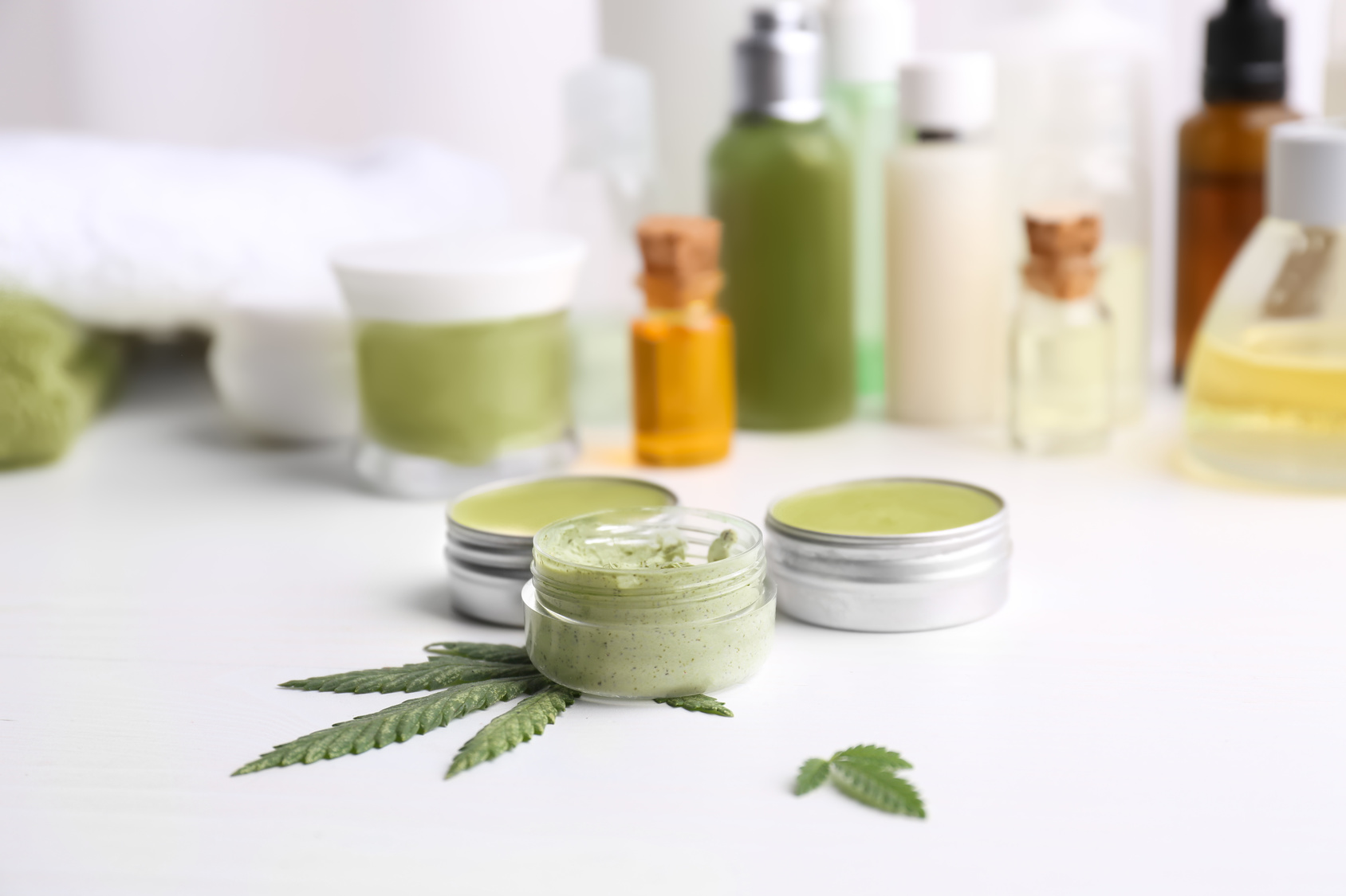 The Best CBD Creams for Pain & Skin Issues Reviewed and Compared- Updated 2018 Guide